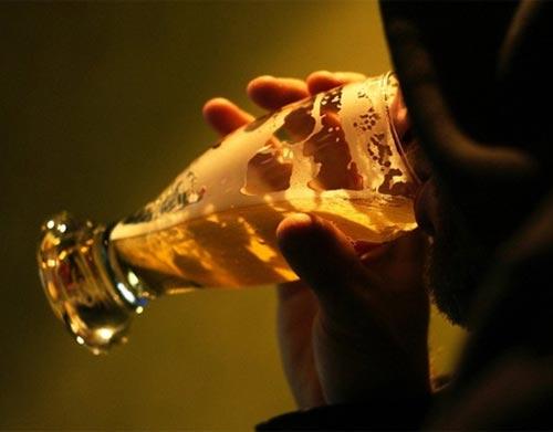 El alcoholismo los argumentos del ensayo