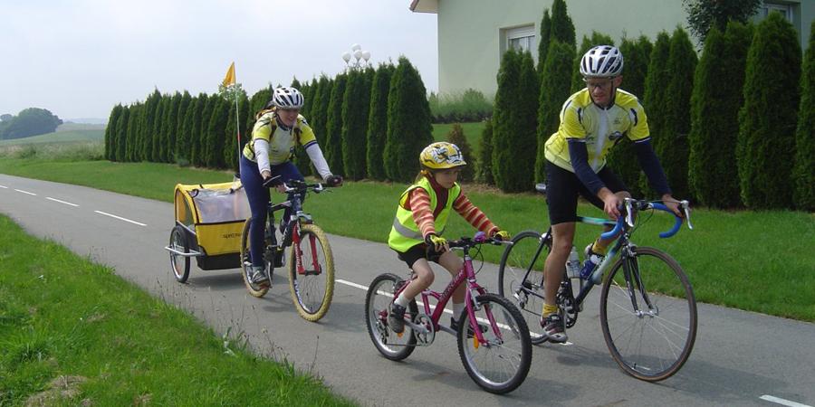 Bicicleta En Familia Salir En Bici Toda La Familia